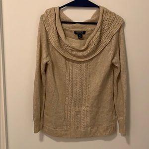 WHITE HOUSE BLACK MARKET Sweater (size medium)